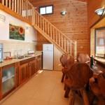 מלון בוטיק קטרון סוויטות מרווחות בנויות שילוב אבן ועץ